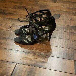 NWOT Impo black lasercut cage heels. Size 7